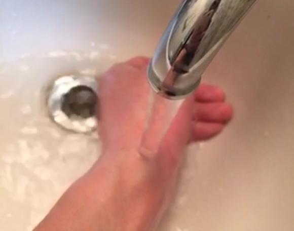 流水で流す