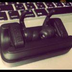 リアルなコードレスヘッドフォン「400-BTSH004」のある風景【デジタル寅さん/ある日の仕事場の風景】