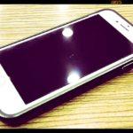 iPhone7にバッテリー内蔵ケースが装備されている風景【デジタル寅さん/ある日の仕事場の風景】